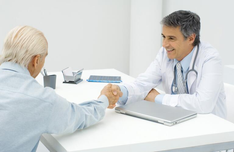 Doctor-shaking-hands-with-patient