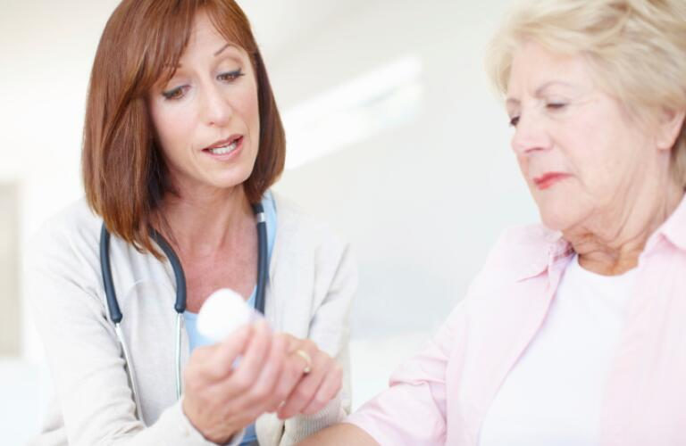 Explaining the dosage and effects - Senior Care