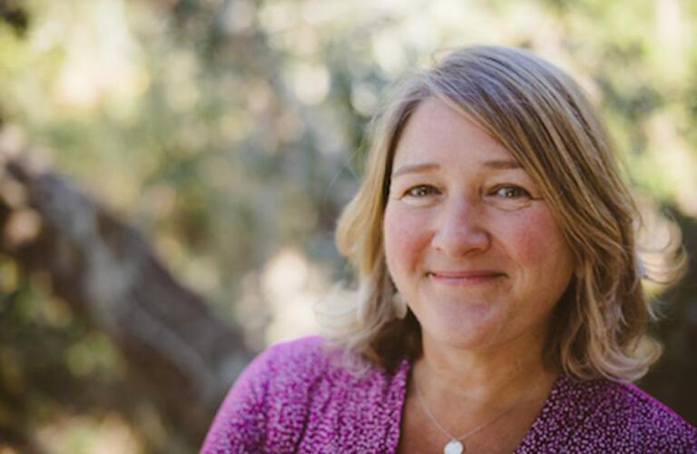 Elizabeth Beasley Author Headshot