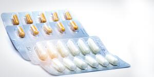 Z-pak antiobiotics in blister pack