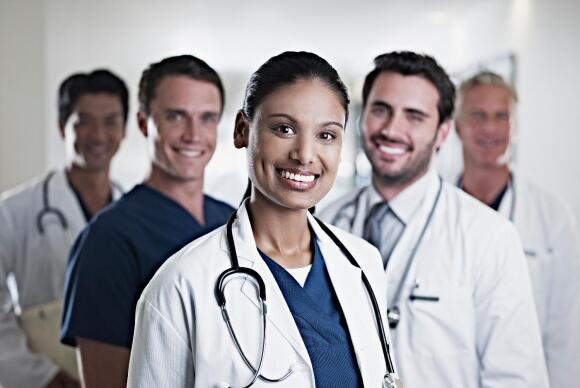 group-of-doctors-smiling