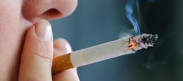 cigarette-smoking-closeup