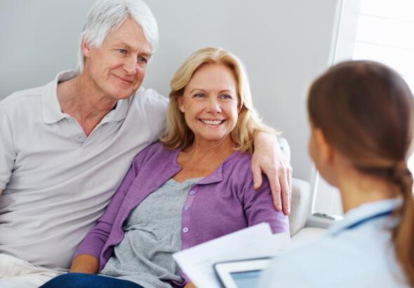 senior-couple-at-doctor-visit