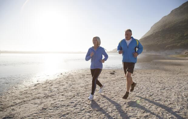 couple-running-on-beach