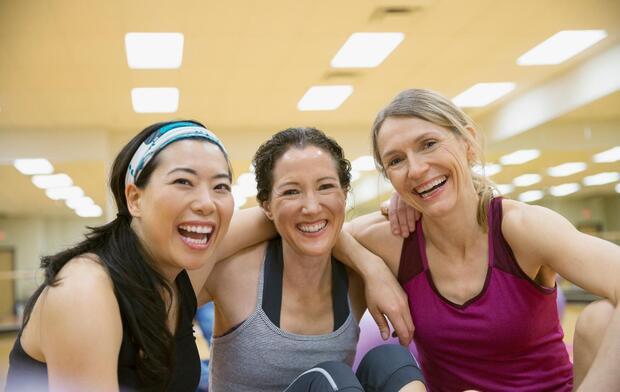 exercising-group-of-women-smiling